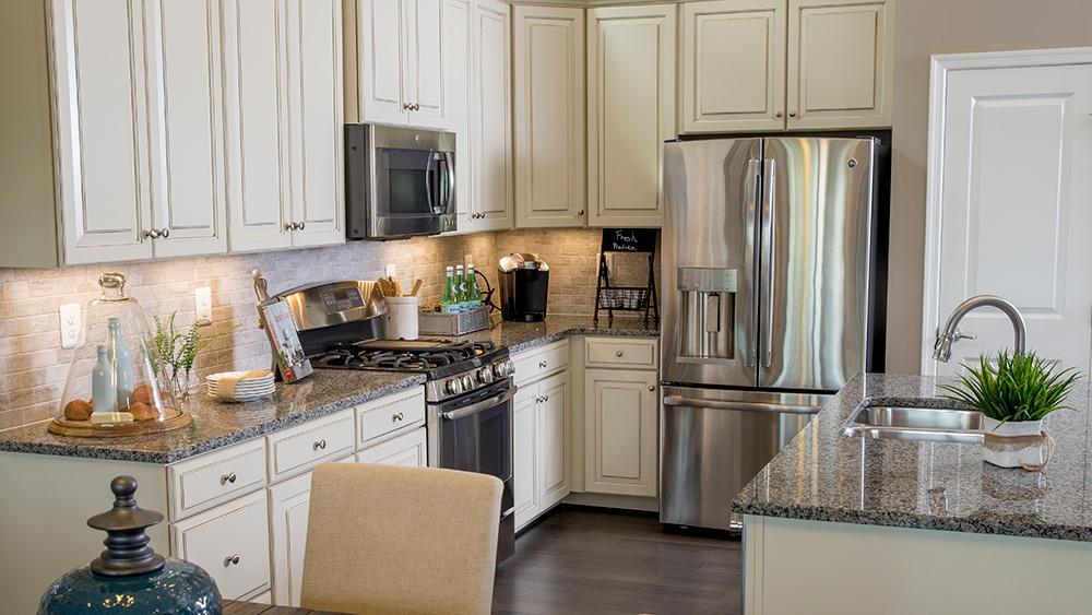 brentwood-gourmet-kitchen.jpg
